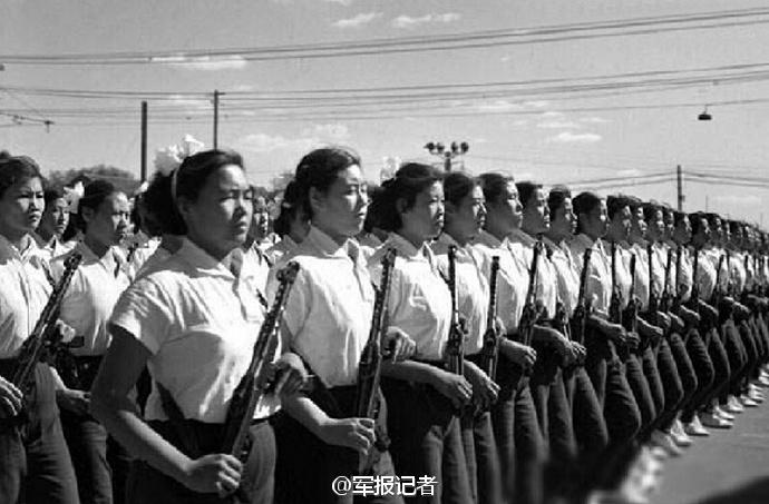 貴重な歴史写真で振り返る中国の「女性兵士隊列」関連記事图片列表