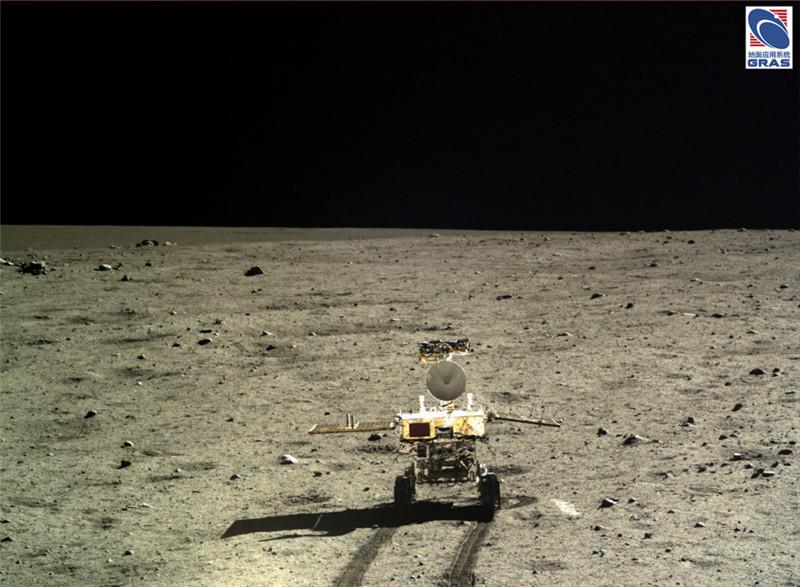 月探査機「嫦娥3号」、月面写真...