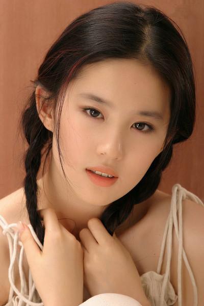 劉亦菲の若いころの写真が話題 ...