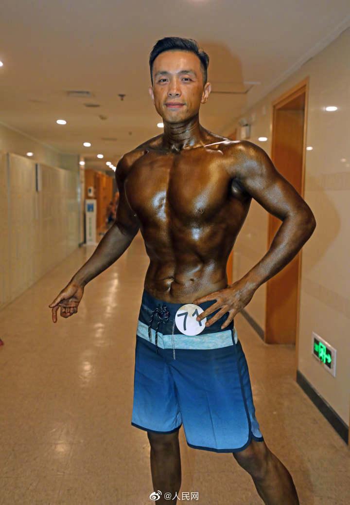 15.6キロ減量してボディービルコンテストに出場した末期がん男性
